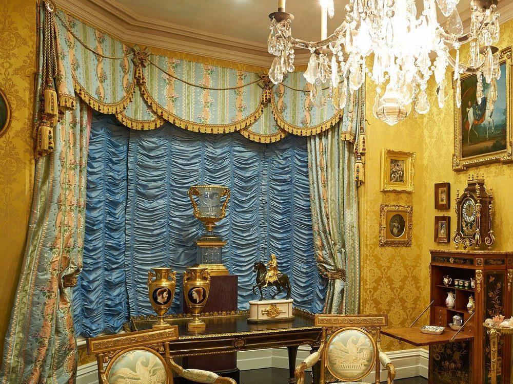 Roche room